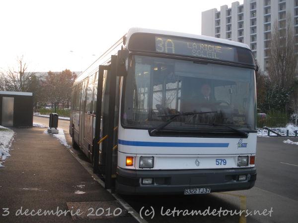 Présentation des bus 579%20Renault%20R312%20-%203%20d%C3%A9cembre%202010%20(Terminus%20H%C3%B4pital%20Trousseau%20-%20Chambray-l%C3%A8s-Tours)%20(3)