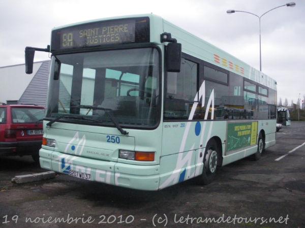 Présentation des bus 250%20Heuliez%20GX117%20-%2019%20novembre%202010%20(4)