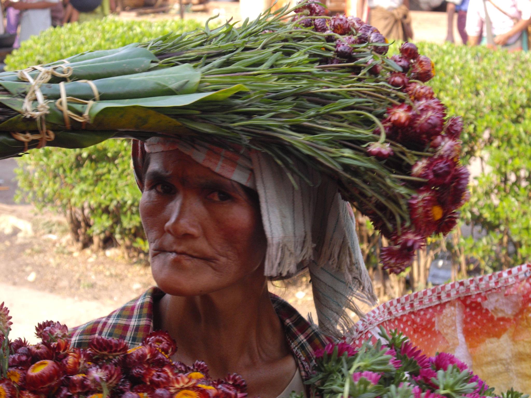 Vendeuse birmane
